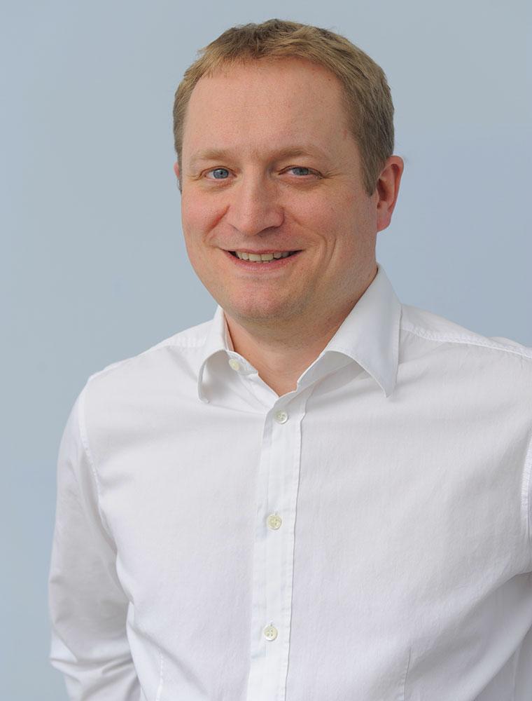 Dr. Thomas Schmidbauer